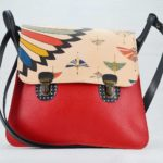 Maud rouge motif plume